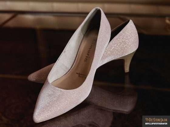 bryllupsfotograf brudens sko