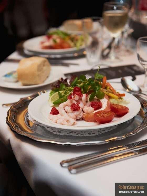 bryllup bryllupsmiddag borddækning