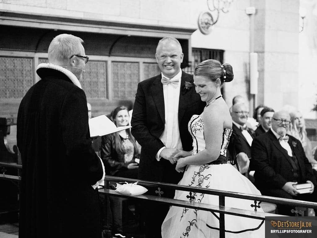 bryllupsfotograf viborg domkirken