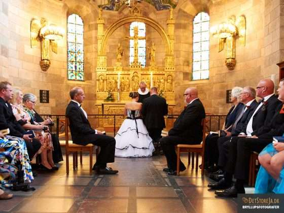 bryllupsfotograf viborg velsignelse i domkirken